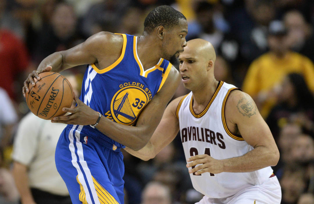 Warriors outlasts Cleveland in Game 5